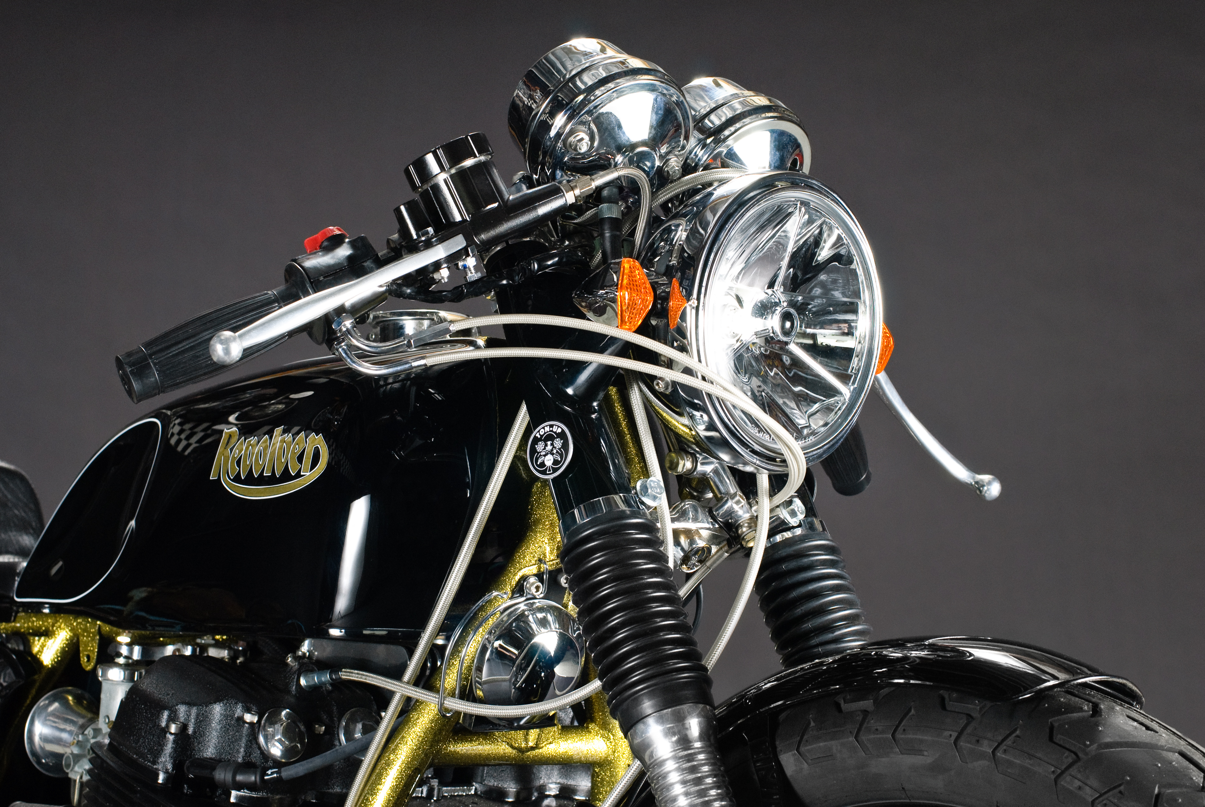 the revolver, a golden cafe racer now in australia. – carpy's cafe