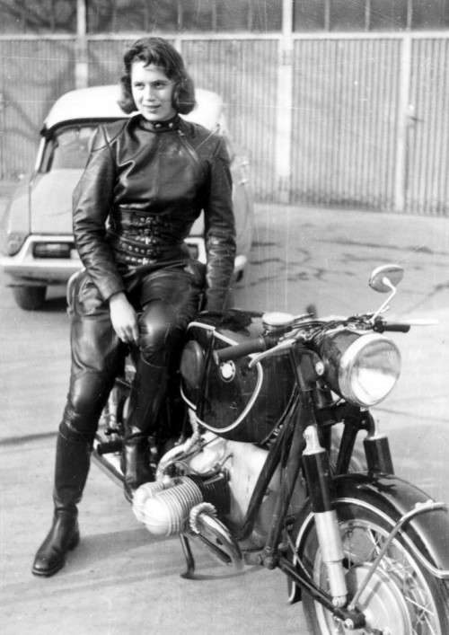 Motorcycle For Tall Riders CAFE GIRL – Anke Eve Goldmann The leather Clad Bombshell. – Carpy ...